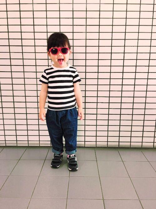 ダイソーの赤いサングラス♡ 無印良品のボーダーTの幅が好き。 太すぎず、細すぎず(๑˙❥˙๑)