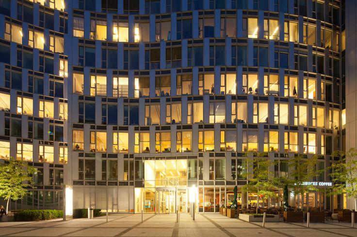 Horizon Plaza in Warsaw    Poland © Piotr Krajewski pkrajewski.pl