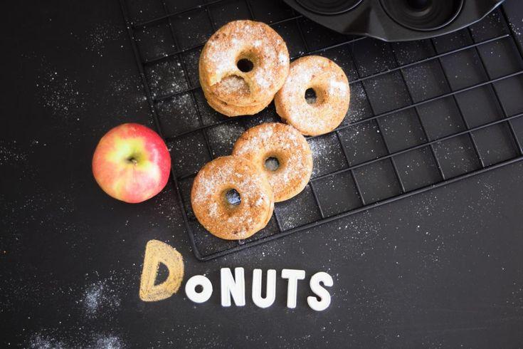 gesunde Apfeldonuts   Apfelküchlein aus dem Ofen oder auch Öpfelchüechli, Apfelringe oder Apfelküchlein genannt sind auf der Basler Herbstmesse ein Hit.