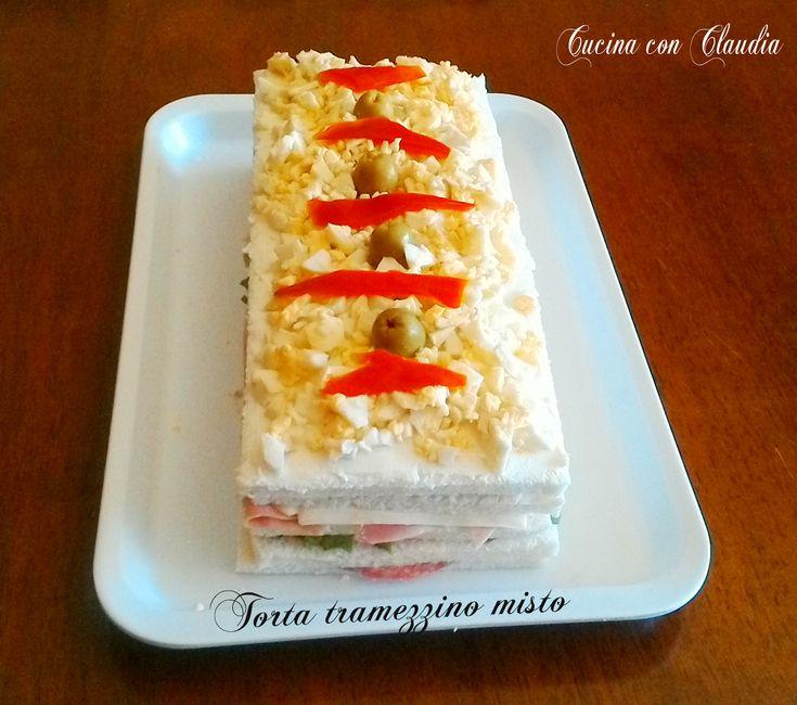 Torta tramezzino misto é un buonissimo antipasto, molto fresco e gustoso. Senza maionese, ma con stracchino. Di facilissima preparazione.