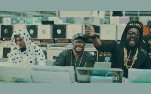 """Black Eyed Peas está de volta! Confira o clipe da nova música """"Yesterday"""" #Clipe, #Dj, #Grupo, #Itunes, #Mundo, #Música, #NovaMúsica, #Programa, #True, #Vídeo http://popzone.tv/black-eyed-peas-esta-de-volta-confira-o-clipe-da-nova-musica-yesterday/"""