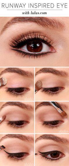 Para realzar tu mirada sombrea tus cejas con sombra marrón y utiliza delineador negro para delinear tus pestañas inferiores. Siempre aplicalo después de la sombra y antes de utilizar el rimmel.