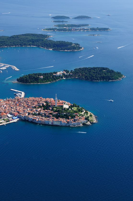 If you want to stay in the old town, Hotel Adriatic is the ideal choice. The nearby hotels Park, Eden and top-quality Monte Mulini and Lone are within a few minutes walk from the center and hotels Istra and Katarina are situated on the largest islands of the Rovinj archipelago. http://www.montemulinihotel.com
