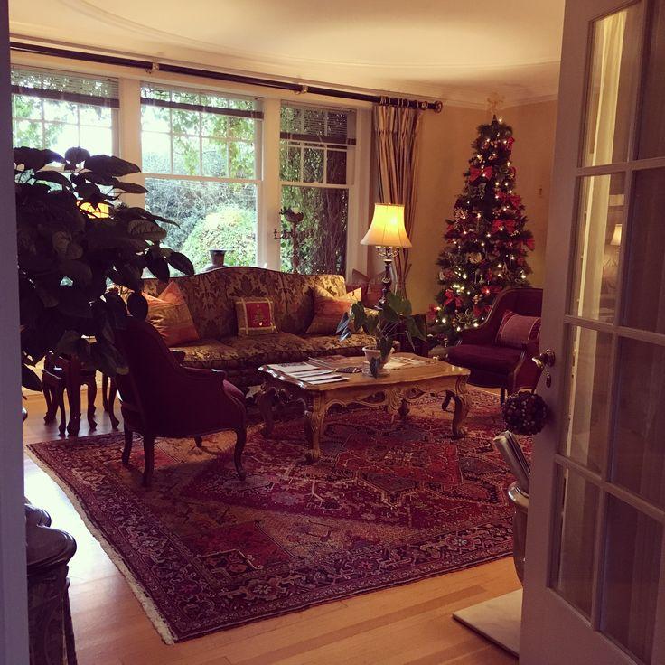 Beautiful December morning at the Villa. Christmas decorations.