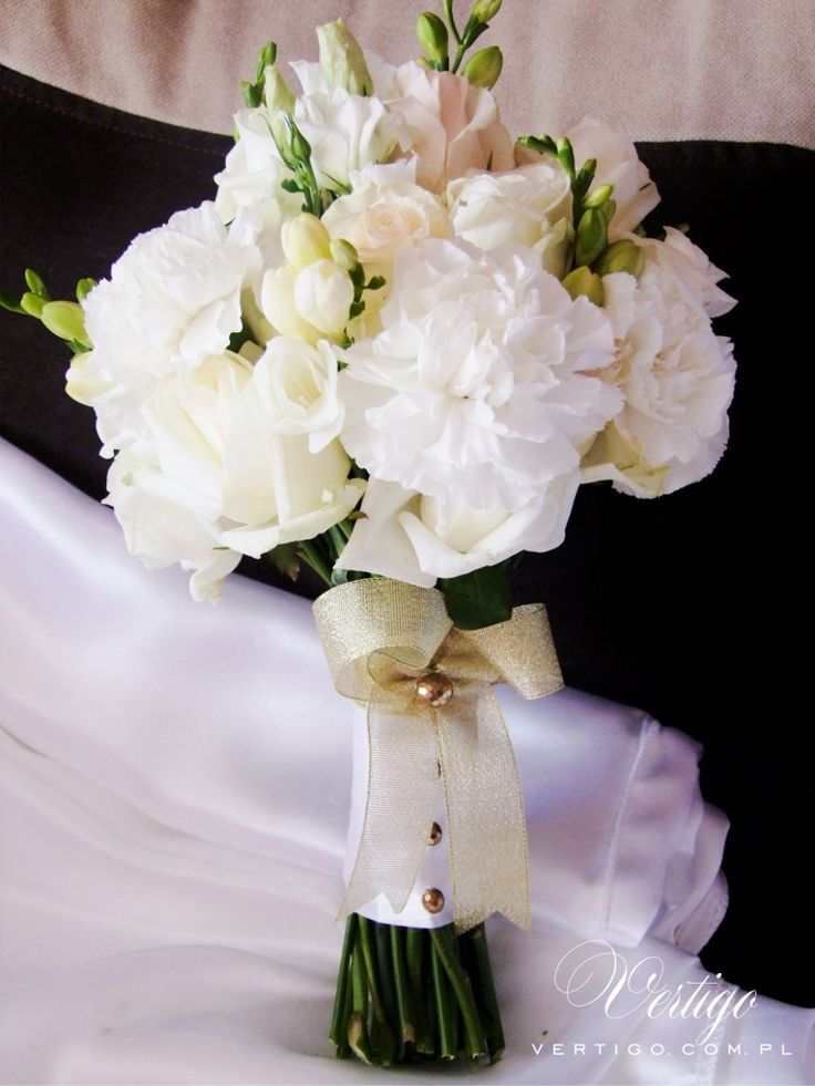 gold and white wedding bouquet, hydrangea, carnations, roses pink, green, crem and white wedding bouquet, eustoma, freesia