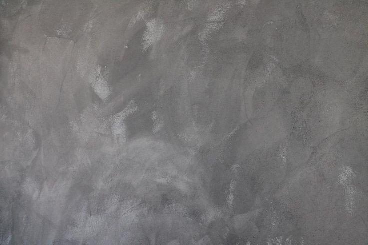 Aan Maartens studentikoze studio hoeft Thomas gelukkig niet veel te doen – als het gaat om de vloer en de muren. Toch verdient de kamer een finishing touch. Eentje die 'm meteen omtovert tot de stoerste kamer van Apeldoorn. Thomas maakt er een betonnen muur van!