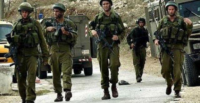 Penculikan Warga Palestina oleh Tentara Israel Terus Berlanjut http://goo.gl/2tuo2I  Di kota Hebron, Selatan Tepi Barat, tentara Israel menyerang dan menggeledah rumah-rumah dan menculik Fadi Abdul-Hafith Tamimi (23).
