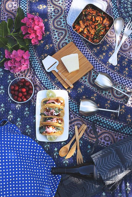 Gluten-free Picnic Recipes plus a Picnic Giveaway from MightyNest // Tasty Yummies