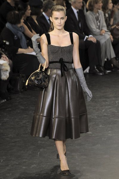 Louis Vuitton at Paris Fashion Week Fall 2010 - Runway Photos