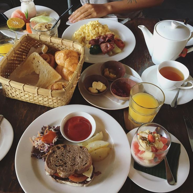 Deliciousness all served in the table! Indulgent breakfast at Petani Restaurant by chaileeson