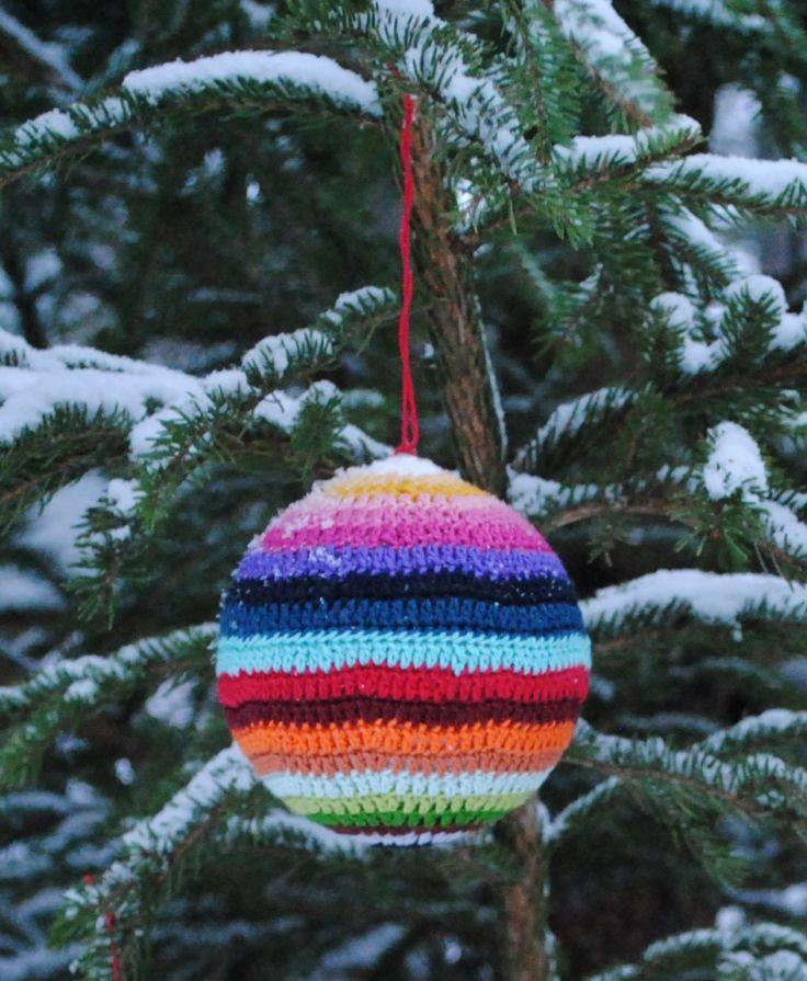 Crochet Christmas ornament (@Amy Moss)