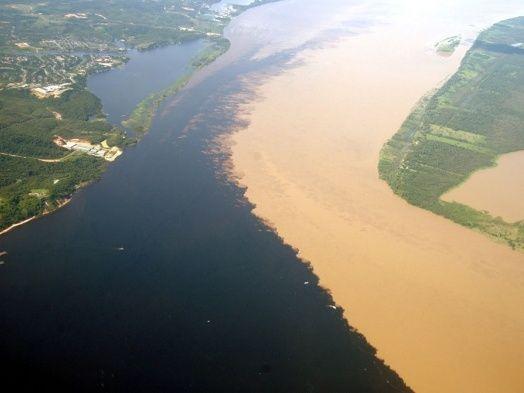 Encontro das águas dos Rios Negro e Solimões - Amazonas