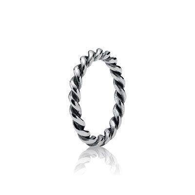 LOVING the Pandora stacking rings Trent and this rope style to create your own stack!