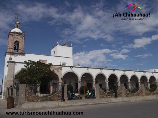 TURISMO EN CHIHUAHUA El Municipio de Coronado, está ubicado en el sur del Estado de Chihuahua. Limita con los municipios de Allende, López y Matamoros y con el Estado de Durango. El clima es de tipo árido extremoso, con temperaturas que alcanzan los 41.7 grados centígrados  en temporada de calor y la mínima -14.1 grados centígrados. Parte de su vegetación la conforman el  mezquite, el sauz, el palo blanco y cactáceas. Sus principales poblaciones son Villa Coronado, Iturralde y Religión…
