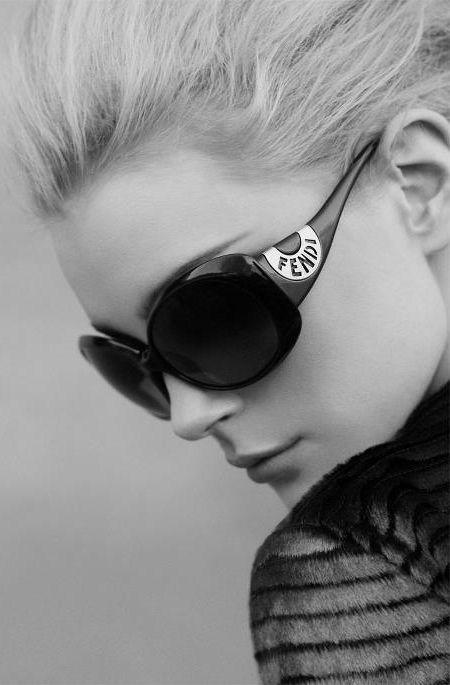 FENDI Sunglasses                                                                                                                           ✺ꂢႷ@ძꏁƧ➃Ḋã̰Ⴤʂ✺