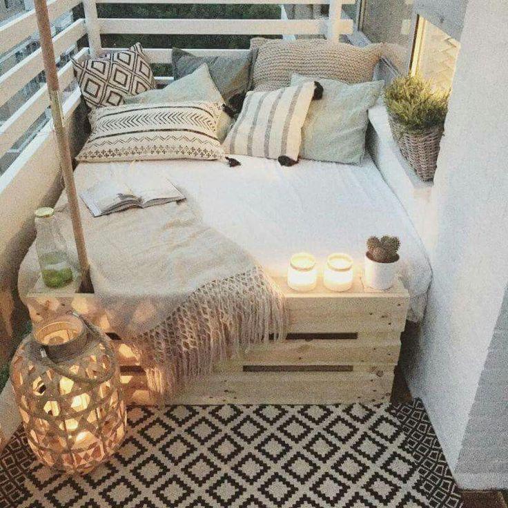 Leuk klein zit hoekje voor balkon of kleine tuin