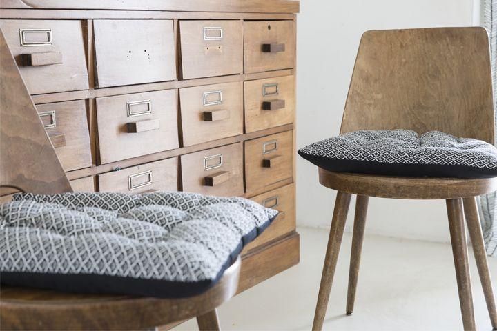 Les 25 meilleures id es concernant housses de chaises sur for Galette de chaise avec rabat