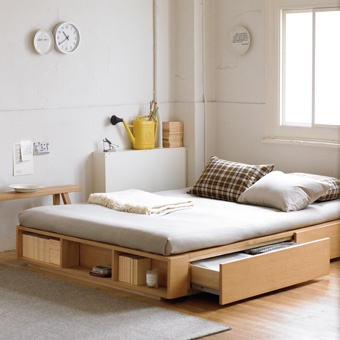 bed storage muji design meubles pour petits espaces. Black Bedroom Furniture Sets. Home Design Ideas