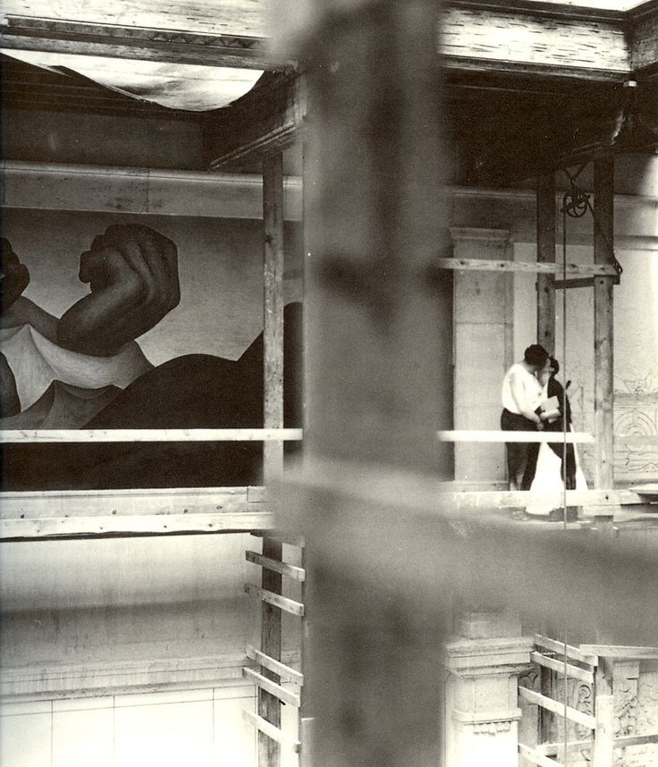 Diego Rivera and Frida Kahlo. 1932 photo / scaffolding at Detroit Institute of The Arts.