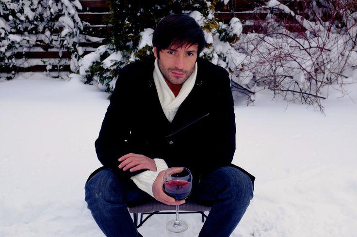 Nu mai simti frigul cu lopata in mana! Radu Valcan | Sinistrat in Bucuresti! | http://raduvalcan.ro