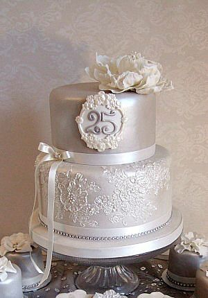 Silver Wedding Anniversary cake - For all your Silver Anniversary cake decorating supplies, please visit http://www.craftcompany.co.uk/occasions/anniversary/silver-wedding-anniversary.html