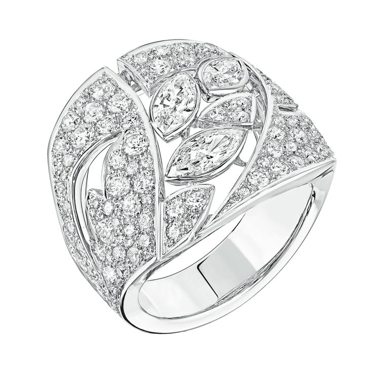 Champ de Blé #Ring from #LesBlesDeChanel - #Chanel - #FineJewelry collection in 18K white gold set with 114 #BrilliantCut - #Diamonds (1.9 carat) and 3 #MarquiseCut diamonds - July 2016