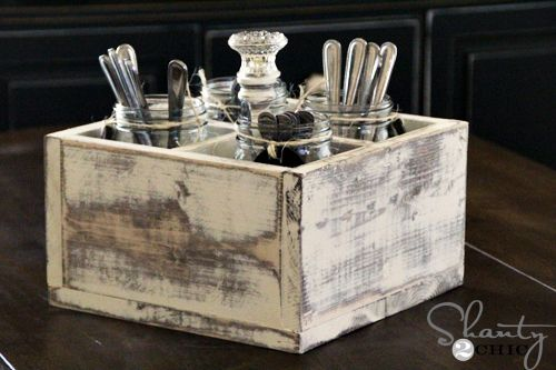 How to build a super fun and functional vintage-looking soda crate that holds 4 Mason jars.  This blogger uses one piece of wood that is 1×6 @ 8ft long. Add some wood glue, a cute knob for the center, and some paint, and presto! Super cuteness for your nest! :o)