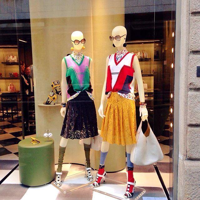 Simply the best! #prada #style #fashion #milano #italy #glamurnenko #springsummer2016 #витринымилана #весналето2016 #прада #стиль #мода #милан #италия
