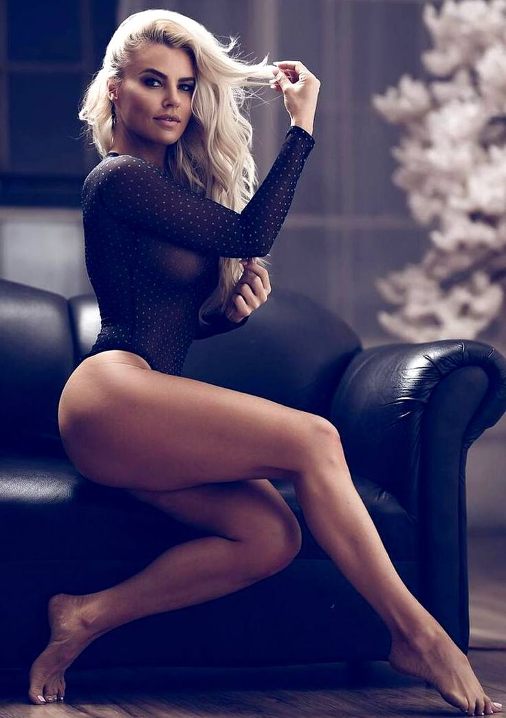 Holly Barker naked 613
