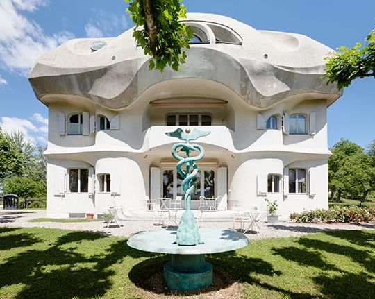 House Duldek, the first residential house designed by Rudolf Steiner in 1916. Since 2002, houses the Rudolf Steiner archive. Rudolf Steienr developed his ideas about organic architecture from his study of Goethe's theory of metamorphosis. IconicHouses.org