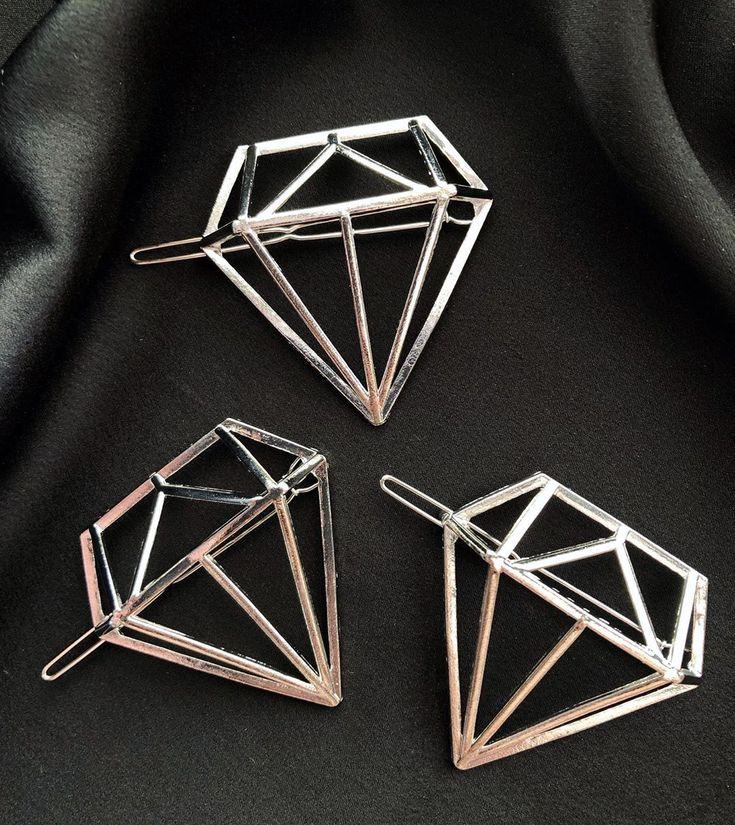 #jewelrymaking #diy Verleihen Sie Ihrem Haar mit diesen geometrischen Haarspangen etwas Glanz. # hairclips #hairaccessories #geometrichairclips