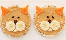 Healthy and cute - Kitty cat rice cakes.
