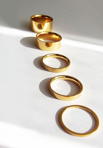 新作リング「絆」。目に見えないからこそ形に残したい「絆」がデザインされたという、美しいリングです。ちょっと特別に装いたい日に。