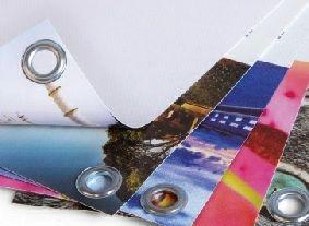 Cinq points essentiels à prendre en compte lors de la création de votre banderole personnalisée pour un résultat optimisé.