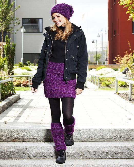 Bli både varm och snygg i en stickad kjol i härliga ull- och mohairgarner. Här får du stickbeskrivningar för matchande kjol, mössa och benvärmare.