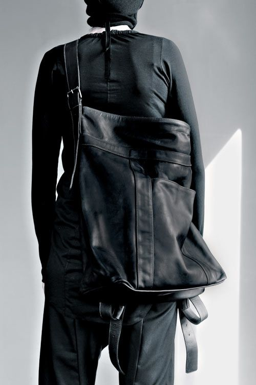 serien°umerica: Leather Accessories - why do these giant bags look so good, when they are so heavy?