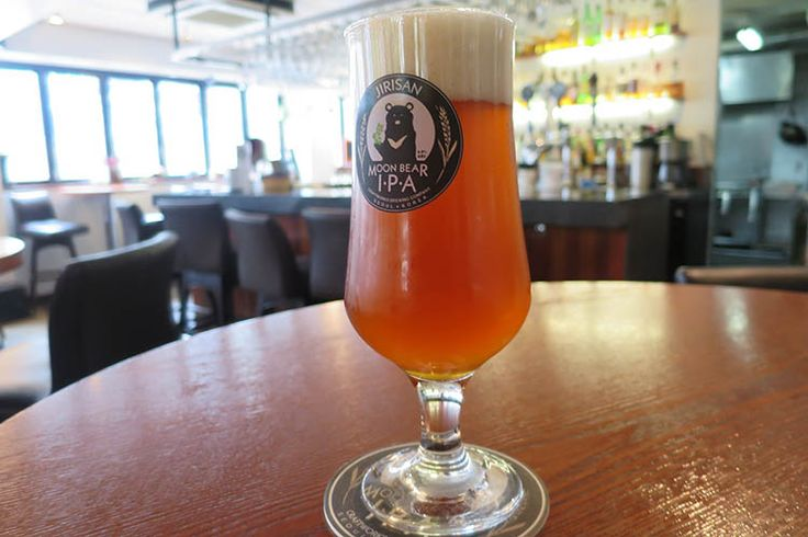 Fresh IPA at Craftworks in Seoul. Image by Megan Eaves / Lonely Planet