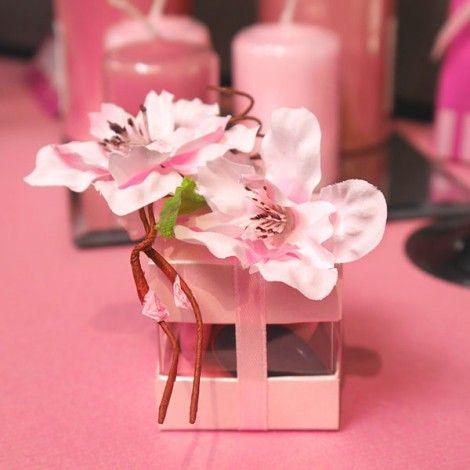 Les 25 meilleures id es de la cat gorie bouquet de fleurs for Bouquet de fleurs dans une boite