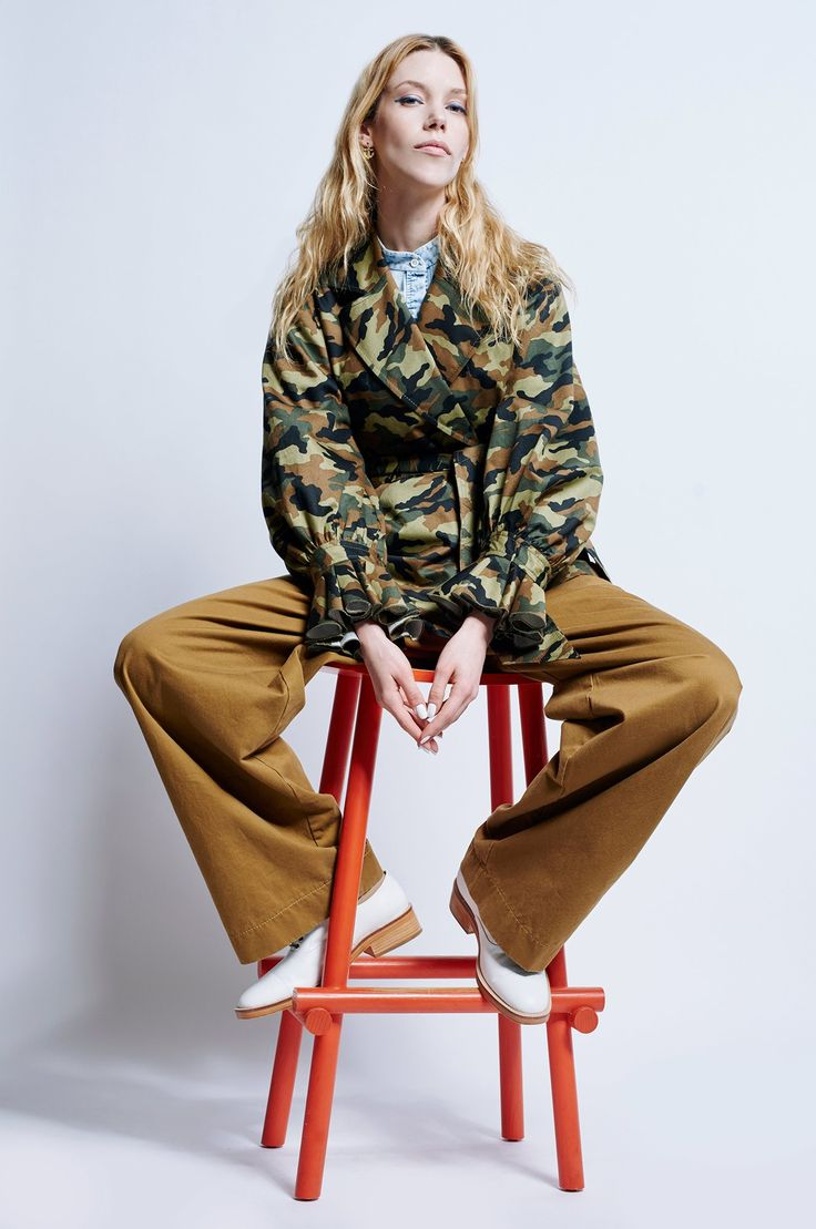 http://www.vogue.com/fashion-shows/resort-2017/karen-walker/slideshow/collection