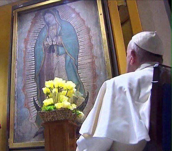 La  Madre  de  Guadalupe con  Papa  Francisco