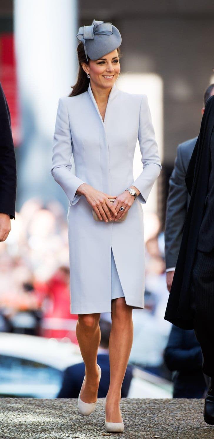 Pin for Later: Kate Middleton hat sich in diesem Jahr selbst übertroffen  Zu den Osterfeierlichkeiten in Sydney trugt Kate ein weiteres Mal Alexander McQueen.