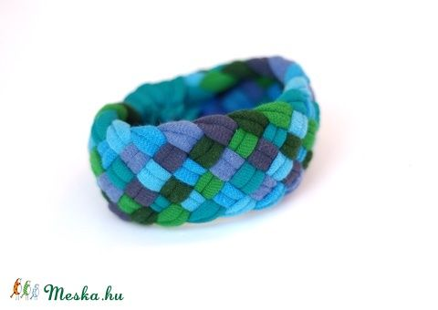 TRIBEQUA - textil karkötő, kék/mohazöld (cirrhopp) - Meska.hu