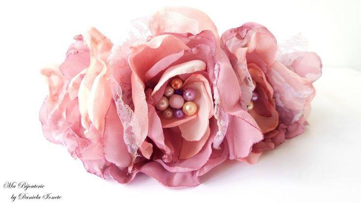 Coronita din flori handmade