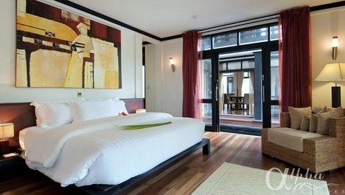 67 best images about luxury hotel bedrooms on pinterest. Black Bedroom Furniture Sets. Home Design Ideas
