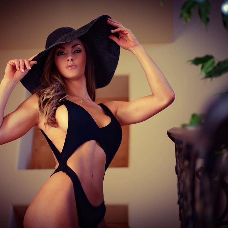 #Repost @jenamays with @repostapp.  Weather forecast for today? Solid 80 Degrees.  Ladies get your bikinis ready! #Austin #Texas #Spring #Weather #kimikoutoure #custom #bikini #mfproductionz #friday #fridaymorning #swimsuit #bikini #bikinimodel #bikinifitness #swimsuitmodel #arsenic #forguysmag #fusemagazineonline #bossgirlscertified #bossgirls by mfproductionz