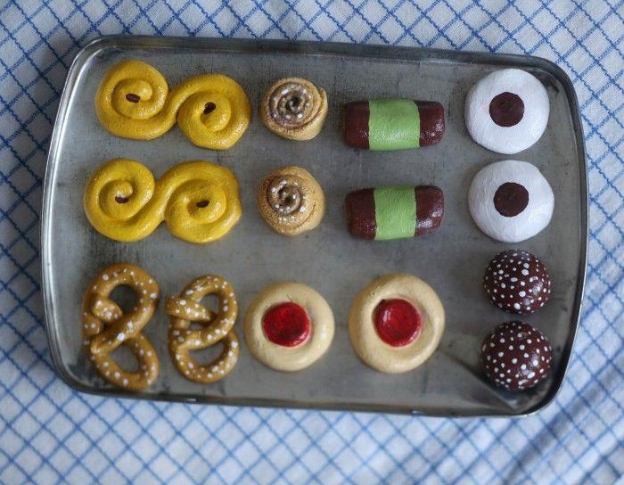 Småkakor av trolldeg – DIY | UnderbaraClara (Swedish recipe) Small cakes of Salt Dough (Age? Children must understand that they can not eat them)