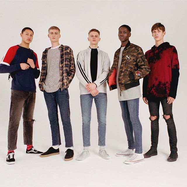 The boys for @topman #denim #campaign.  #shot at #lockstudios - By #lockartists #photography duo @hillandaubrey .  .  #stylist @harry_lambert  #grooming by @yuminakadadingle  #production @koproductions_  .  .  #fashionphotography #topman #jeans #photoshoot #mensfashion #london #mediumformat #boys #londonstyle #photostudio #cove