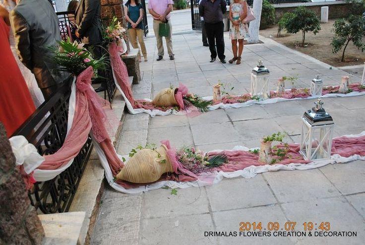 Στολισμός γάμου μέ σάπιο μήλο σε κλασικό ύφος καί ρομαντικές vintage πινελιές, σε τόνους του ιβουάρ και ροζ σάπιο μήλο με τα τριαντάφυλλα