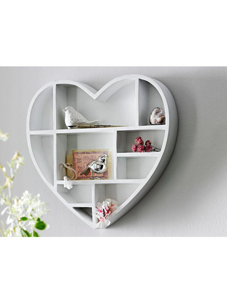 Etag re murale en forme de coeur bois blanc verni chez for Helline decoration murale