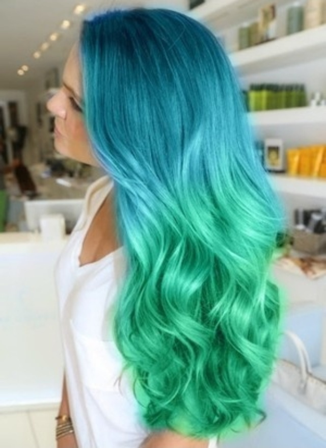 Im really loving this blue to green hair!! Dont judge me!